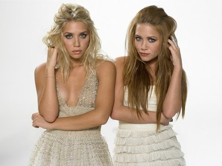 mary kate and ashley makeup line. Mary-Kate and Ashley Olsen